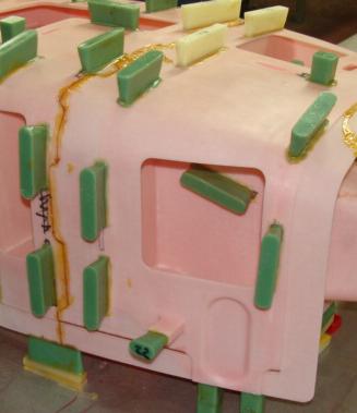 Frittage polystyrène pour fonderie, attaques de coulée en vert.